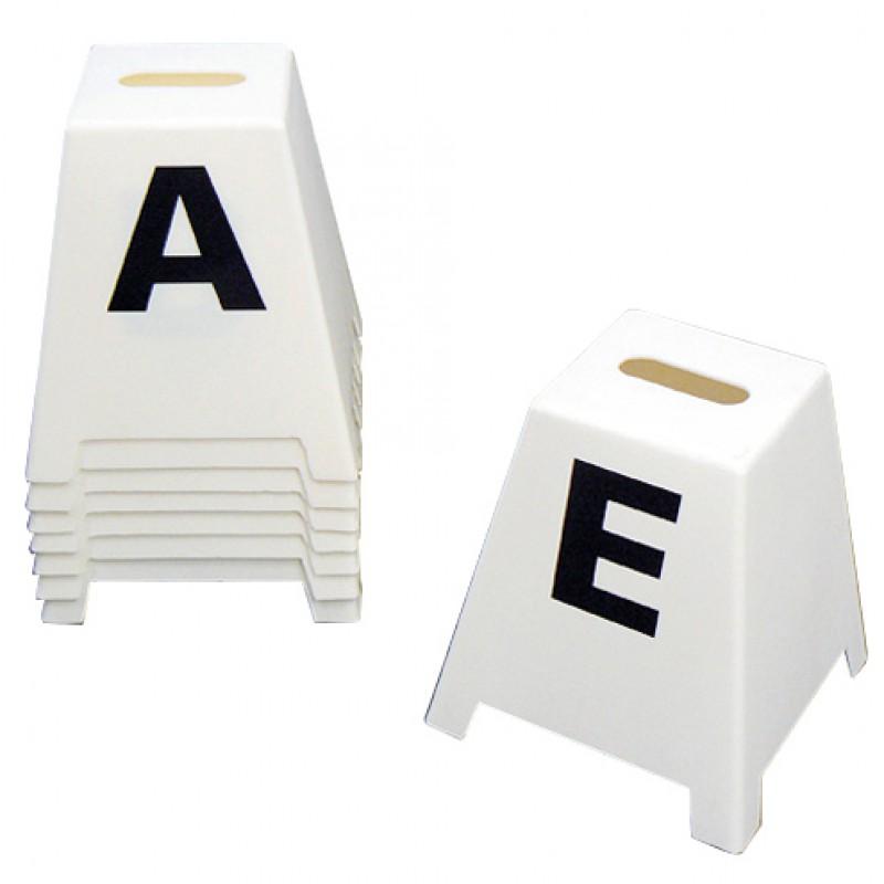 Letterkegels klein voor dressuurarena 20x40 meter Lehhmann (8 stuks)