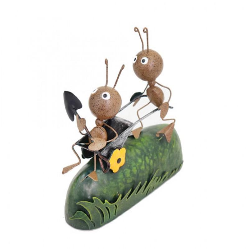 Miniature Metal Life - Ant Pushing Wheelbarrow Primus